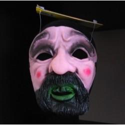 Man met baard masker